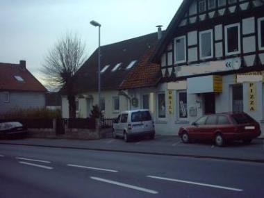 Mehrfamilienhaus mit Gewerbeeinheit (Gaststätte) OT von Gehrden
